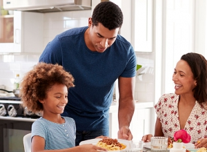 Family-based behavioral intervention to reduce eating pace in young children