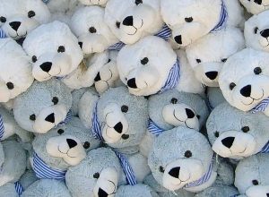 Cuddling a robotic seal reduces stress and depression