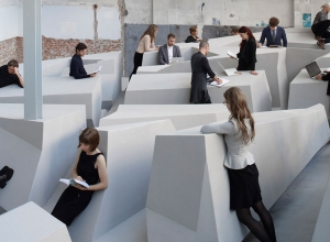 RAAAF - The end of sitting. Photo by Jan Kempenaers.