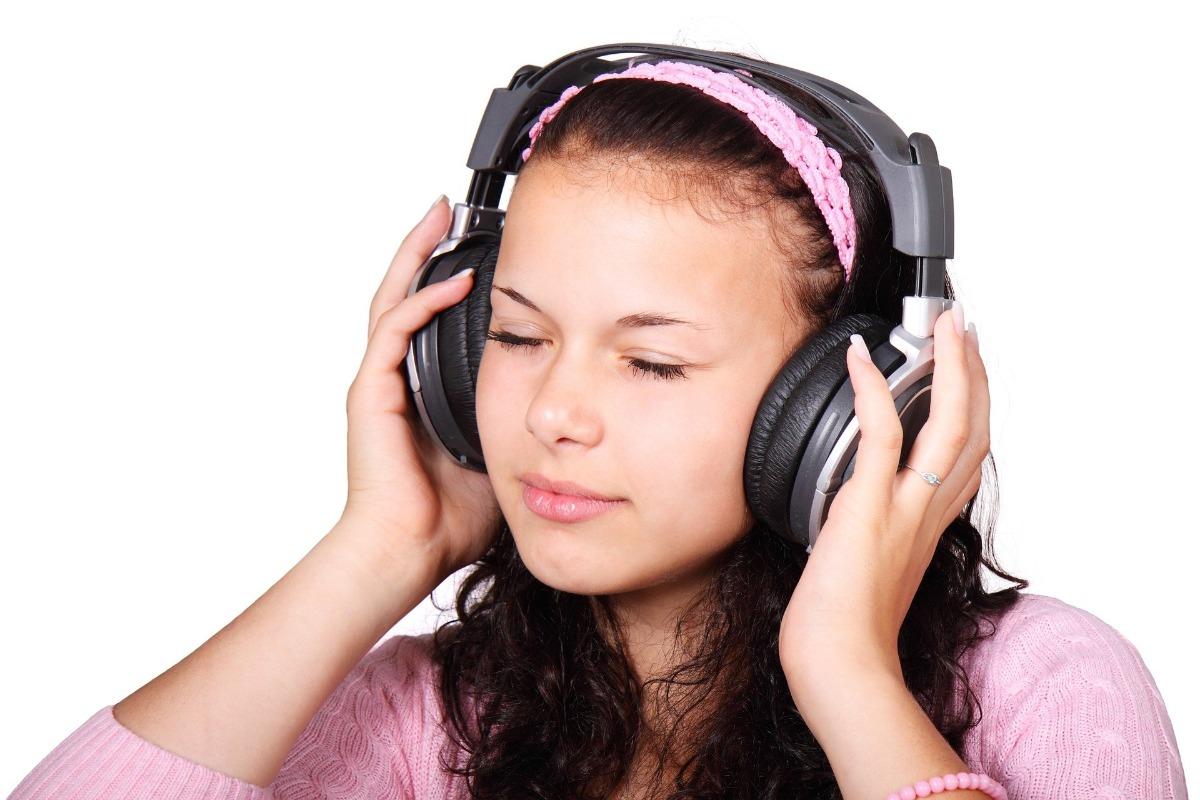 Girl headphone music pink shirt