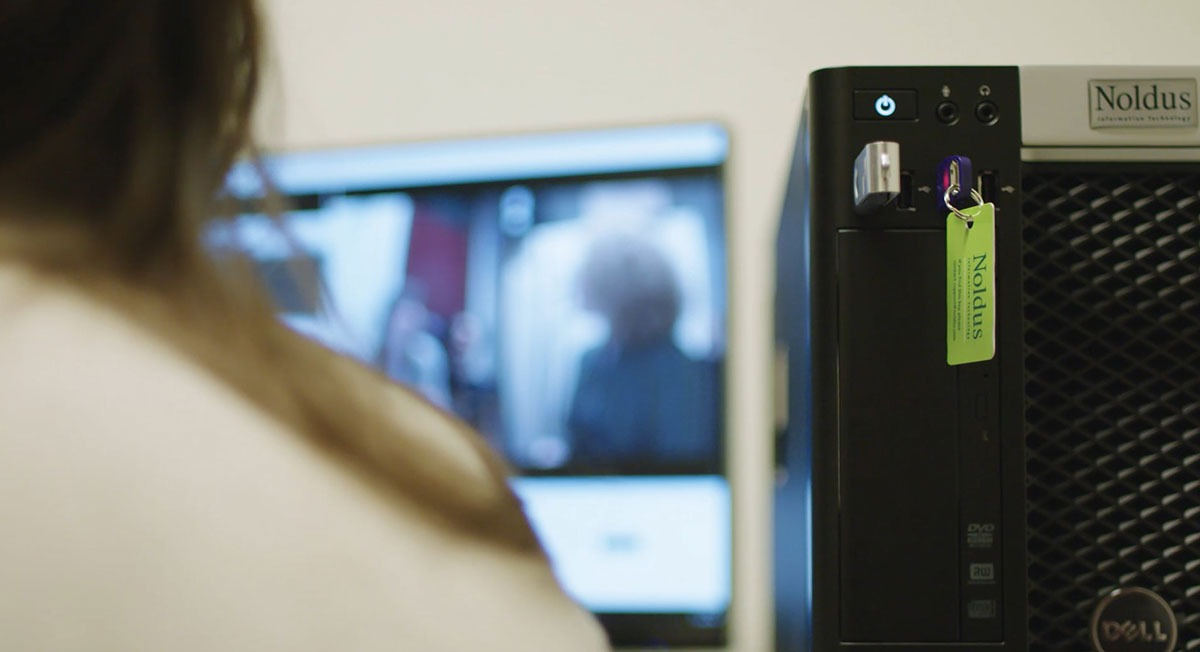 The Observer XT 16 can be used with a dongle free security system
