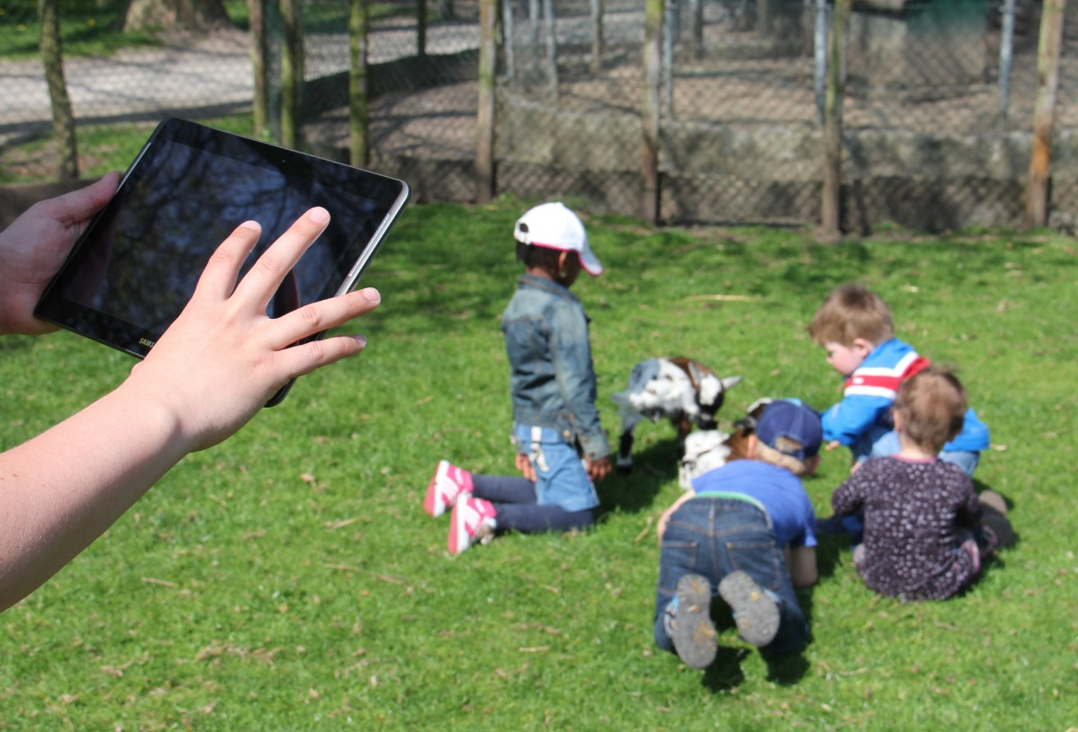 Pocket Observer tablet children
