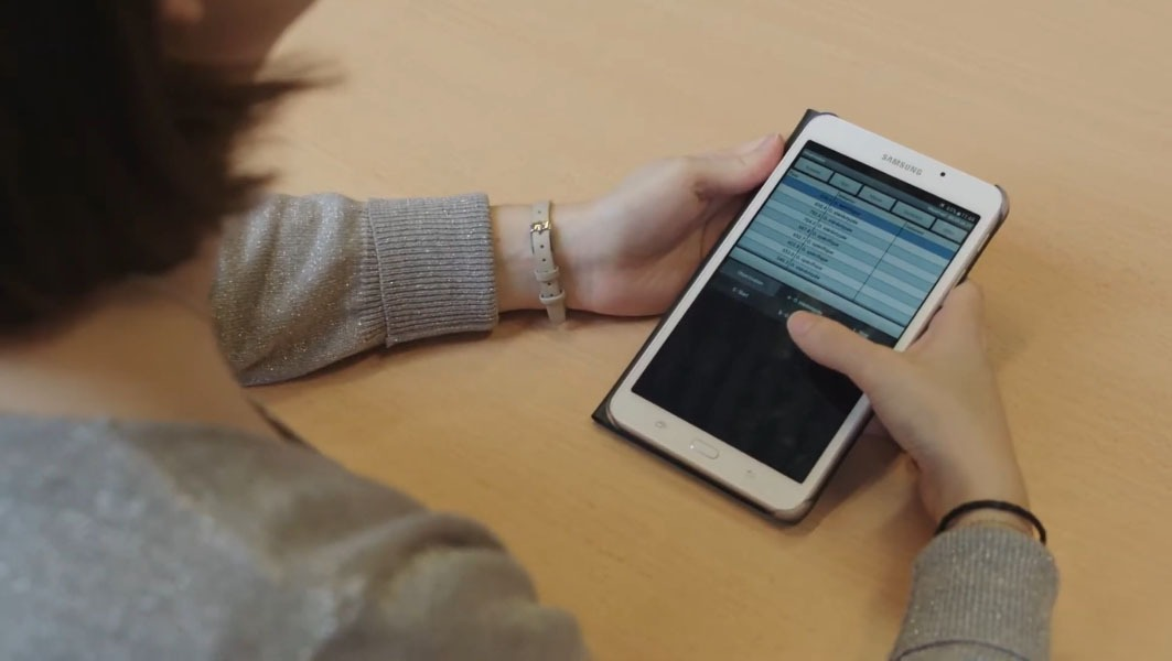 Using Pocket Observer on a  handheld tablet