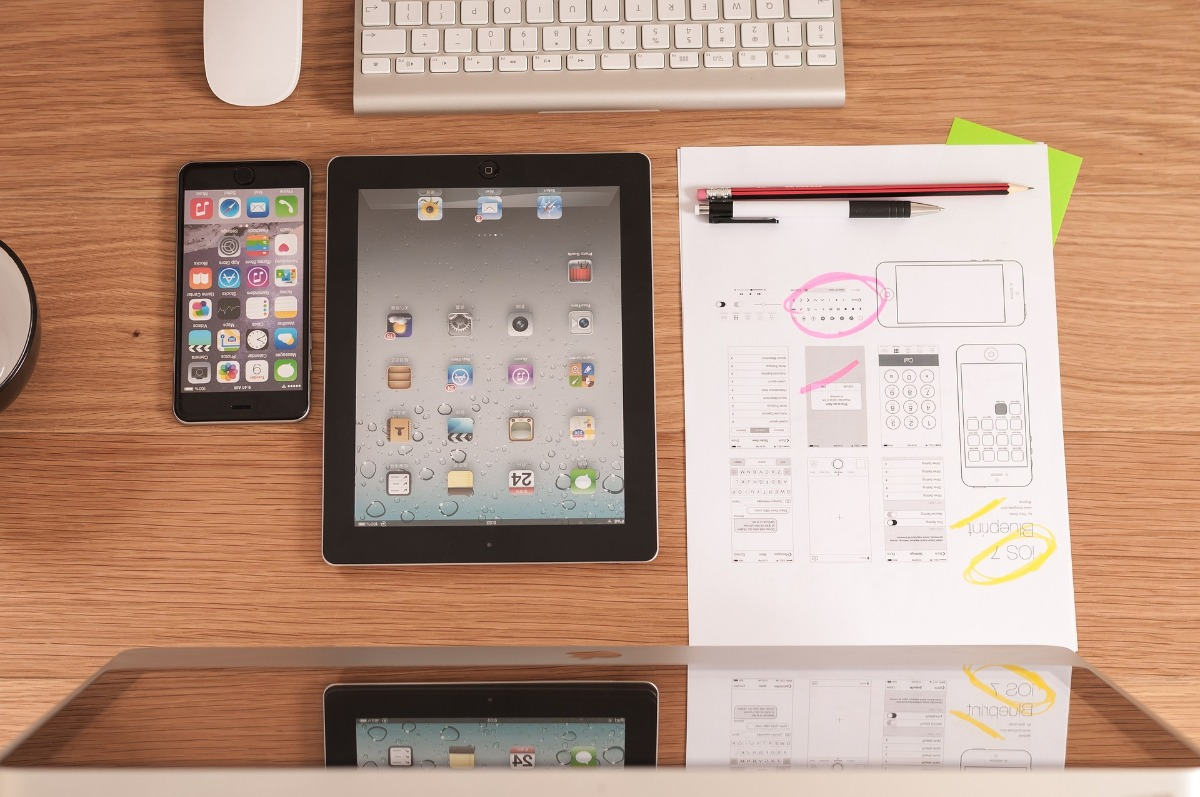 UX tablet phone laptop ipad