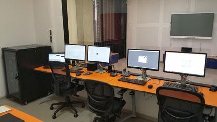 lab Chile controle room