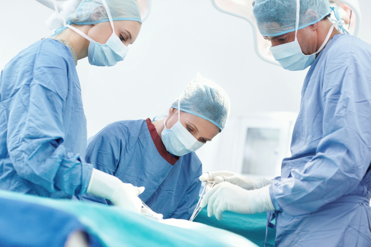 operating room doctor