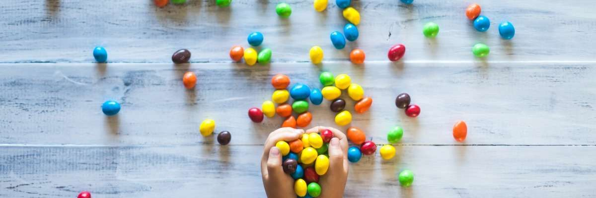Eating behaviors in children: how is looking related to consumption?
