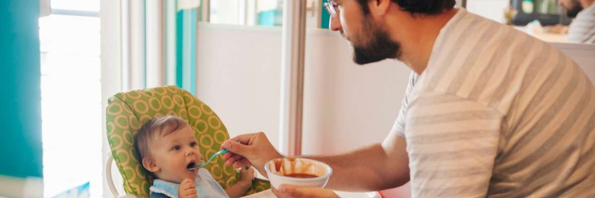 What does an infant's gaze tell us about how hungry they feel?
