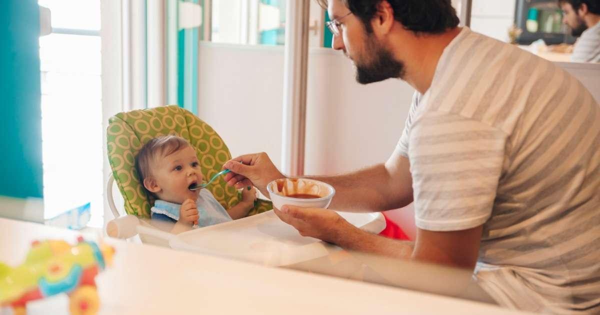 infant-gaze-during-feeding